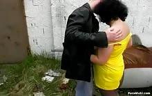 Mature bitch gets gangbanged outdoor