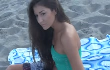 Guy's pick up beach babe and fuck her