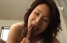Japanese mature woman gets a pussy creampie
