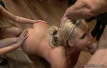 Curvy MILF anal fucked in public store